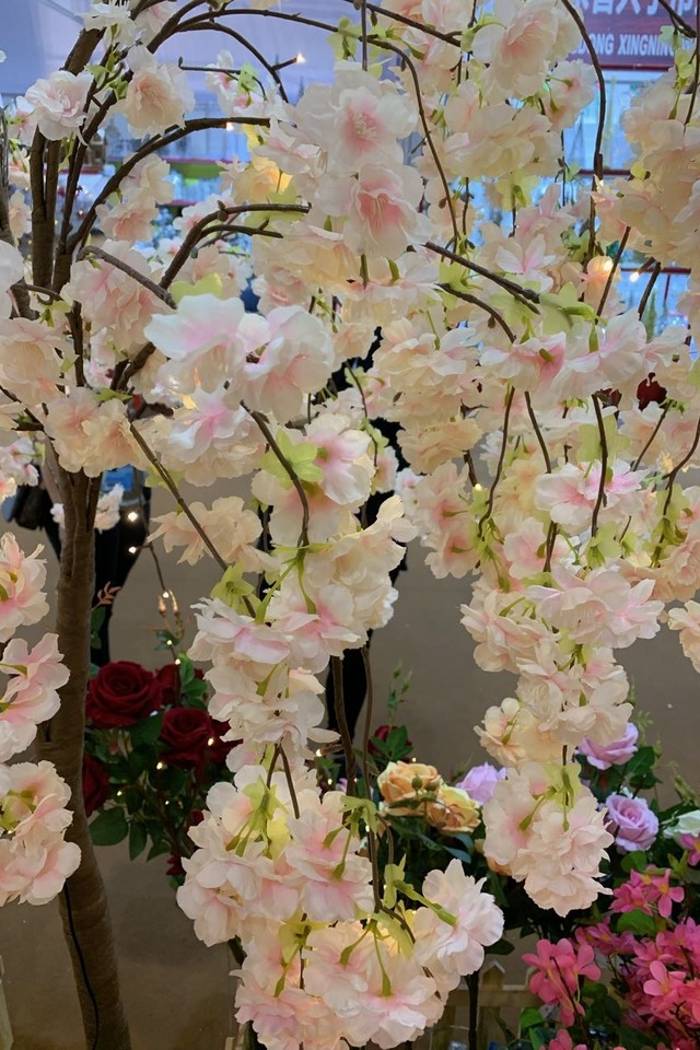 WHITE WHITES BLOSSOM BLOSSOMS ARTIFICIAL ARTIFICIALS FLOWERS FLOWER BRANCH BRANCHES BRANCHE TREE TREES LED LEDS CHERRY CHERRIES CHERRIE WITH WITHS