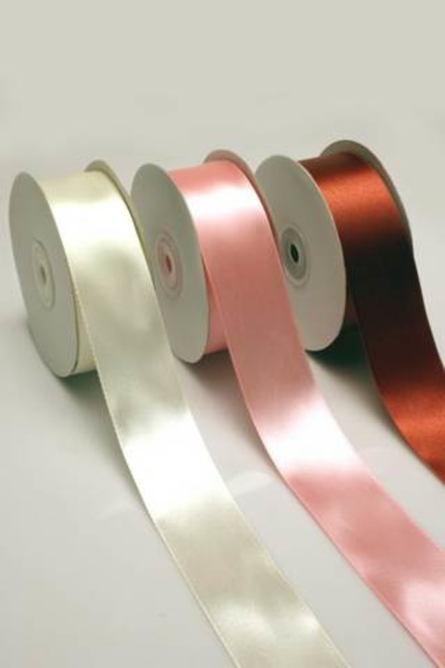 RIBBON RIBBONS SATIN SATINS CUT CUTS EDGE EDGES SINGLE SINGLES DOUBLE DOUBLES FACE FACES FACED FACEDS EDGED EDGEDS WOVEN WOVENS 1F 1FS 38MMX36YD 38MMX36YDS SPECIAL SPECIALS IMPORTED IMPORTEDS F